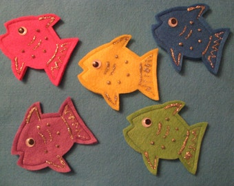 5 Little Fish Finger Puppets with rhyme, handcrafted from felt