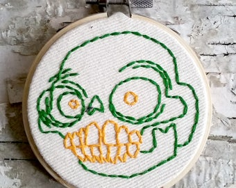 "green & yellow skull - 3"" hand embroidered wall hanging"