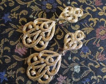 70s Crown TRIFARI Clip on Earrings Vintage Baroque Style Textured Gold Tone 1970s Dangle Designer Earrings