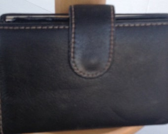Vintage black unbranded Leather small wallet with kiss lock coin purse