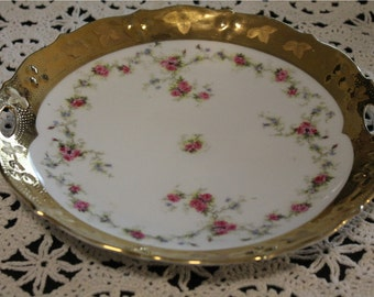 "Beautiful Pink Rosettes on White Packground Porcelain 10"" Plate with Gold Edging"
