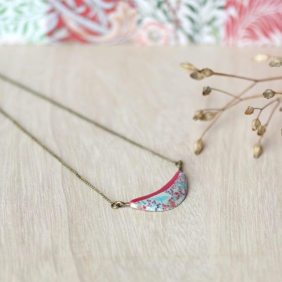 Brass pendant necklace, handmade floral patterns red necklace, japanese patterns 'Garance'