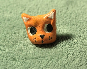 Cat Brooch - Clay, Hand painted