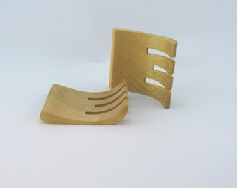 Hand to toss the salade in Negundo Maple dimensions are 5 inches x 3 1/2 inches