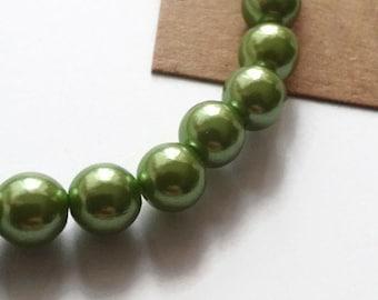 Green elasticated bracelet
