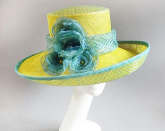aqua and yellow derby hat sinamay with ton sur ton changeant flowers size 57,5 or 22,5 inch