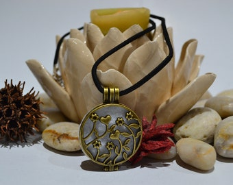 Essential Oil Diffuser Locket - Aromatherapy Necklace - Handmade Jewelry