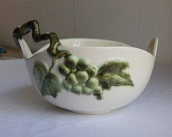 Vintage HTF Hull Pottery Tokay Tuscany Grapes & Vine Large Bowl