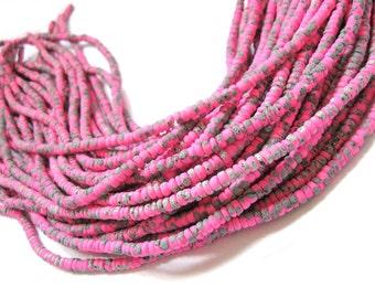 150 coconut beads marblized pink and grey splashing 4-5mm  (PC220E)
