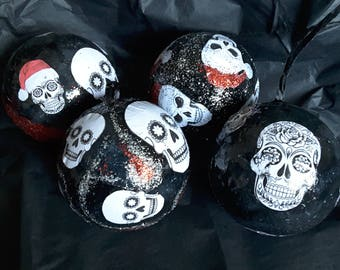 Skull design christmas baubles