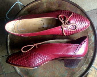 DISCOUNTED! Vintage 1960's DARLING ANGEL/ Little Red lace up Leather heels/ High heel oxfords/ brogue heels/made in Italy Size 6 1/2