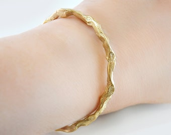 Gold twig bracelet, Twig cuff, Nature inspired bracelet, Nature cuff bangle, Twig jewelry, Gold branch bracelet, Gold twig cuff, Branch cuff