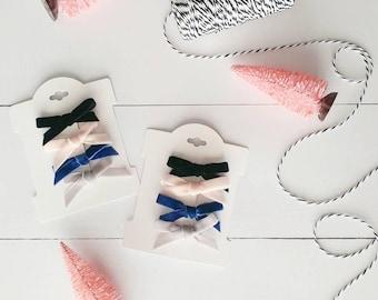 Set of 4 velvet bow clips - alligator clips - velvet bows - hair clips - baby hair clips - black pink blue grey - mini hair clips - mini bow