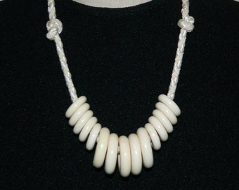 80s Chunky Plastic Necklace Ivory Rings