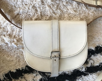 Vintage eighties offwhite/light yellow leather shoulder bag, crossbody bag