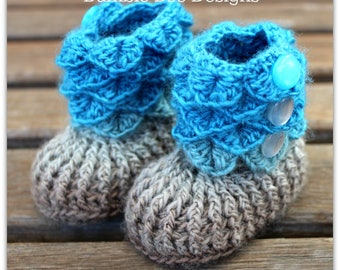Crocodile Stitch Baby Booties That Stay On / Baby Slippers / Baby Booties / New Baby Gift / rainbow baby / 0-6 / merino wool / READY TO SHIP