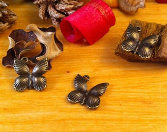 2 pendants charms embossed ridged Wings Butterfly shape bronze color