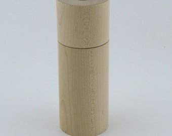 Spices and pepper mill in Maple , Cylinder style with rod mecanisme / 6  in item number: 950