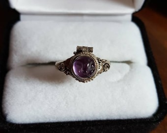 Vintage Sterling Silver Purple Stone Poison Ring Size - 7.25