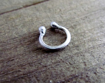 Distressed Barbell Sceptum Ring .925 Sterling Silver 16 Gauge