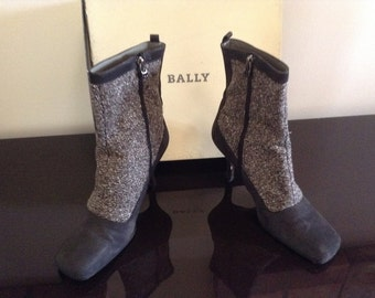 Vintage Bally Gray Leather/Tweed Ankle Boots Size 7