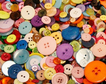 200 Button Rainbow Mix, All Colors, Assorted sizes and shapes, Sewing, Crafting, Jewelry, Collect (593a)