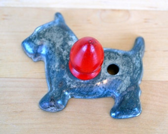 Scottish Terrier, scottie dog, scotty dog, dog mom, dog lover, metal, vintage metal, red, wooden, country chic, cookie cutter, farmhouse