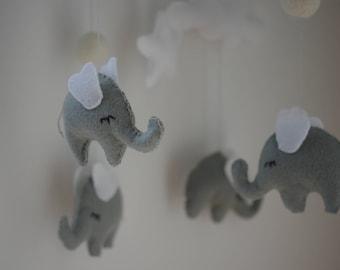 Baby mobile elephant Nursery mobile Grey nursery Neutral mobile Cloud mobile Baby crib mobile Baby mobile hanging Baby shower gift
