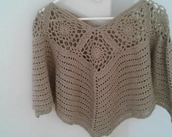 Poncho hand made crochet, light brown wool
