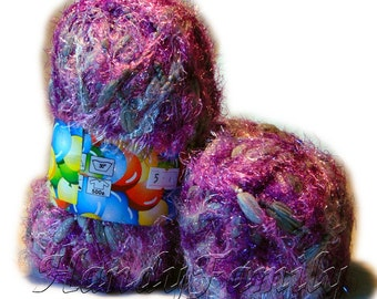 Baloons Pom Pom Yarn: Fuzzy Multicolor in shades of purples and white (05)