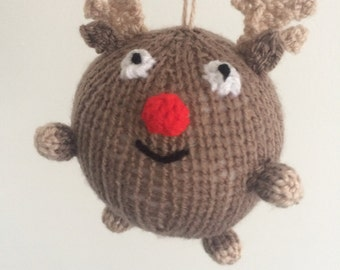 reindeer christmas bauble knitting pattern xmas decoration rudolph amigurumi crochet holidays