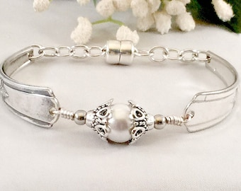 Vintage Elegant Pearl Spoon Bracelet, Boho Jewelry, Wedding Jewelry, Bride Pearl Jewelry -Silver Spoon Jewelry, Mother's Day Gift