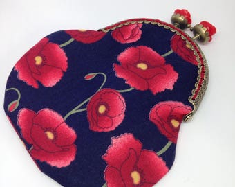 Floral purse, coin purse, change purse, clasp purse, kiss clasp purse, poppy gift, Mother's Day gift, ladies purse, floral gift, poppy purse