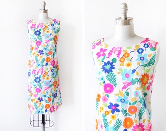 60s Hawaiian dress, vintage 1960s mod floral dress, Hale Muu Hawaii bright flower print dress, mod shift dress, medium