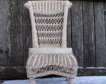 Adorable And Sweet Childu0027s Wicker Chair / White And Natural Color