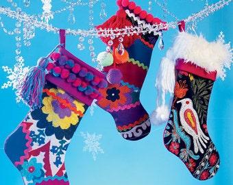 McCalls 6859 Crafts pattern, Stocking and tree skirt pattern