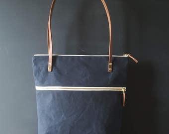 Waxed canvas double zipper shoulder bag - Navy