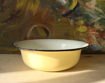 Old Enamel Bowl, Soviet Vintage 1970s, Old Enamel Kitchenware,  Vanilla color