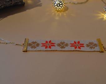 Hand woven pearl bracelet