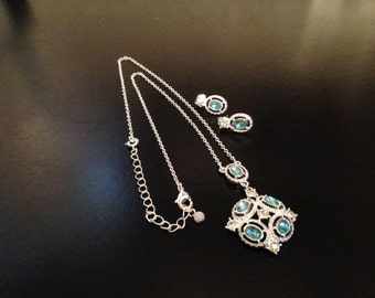 Silver Pendant Necklace Earring Set with Blue Glass Stones Vintage 1970s - #255