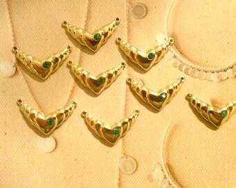 8 Goldplated Heart Pendants with Emerald Green Rhinestone