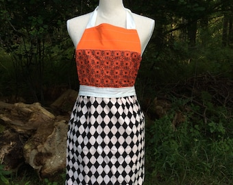 Retro HALLOWEEN Apron // SPOOKY // Orange and Black // Harlequin Skeletons // Vintage Style Apron // Reversible