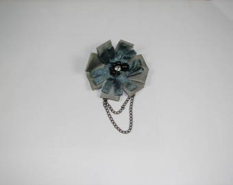 Grey flower brooch and chain