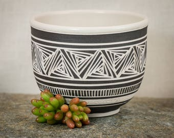 Black and White Hand Carved Bowl - Sgraffito Porcelain Bowl - Hand Crafted Bowl - Ceramic Bowl - Uniquely Designed - Elegant Gift - Pottery