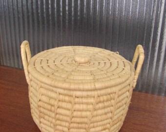 Vintage 80's Natural Rattan Basket with Lid - Knitting Basket - Sewing Basket - Snake Charmer Basket - Wicker Basket - Rattan Planter
