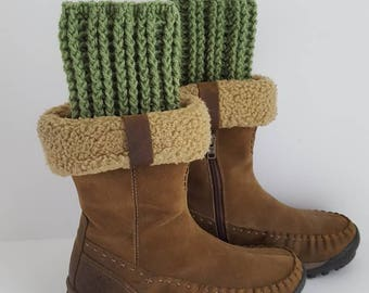 Boot cuffs, GREEN Boot Cuffs, Crochet Boot Cuff, Boot Toppers, Womens Boot Cuff, Boot Leg Warmers, Senior Portrait, Ski, Hiking, Boot Socks,