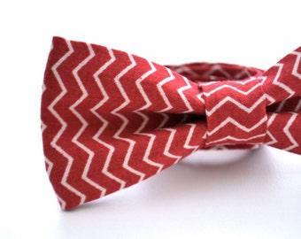Mens Bowtie Cranberry Chevron, Red Bow Tie, Brick Red Bow Tie, Groomsmen Bow tie, Wedding Bowties