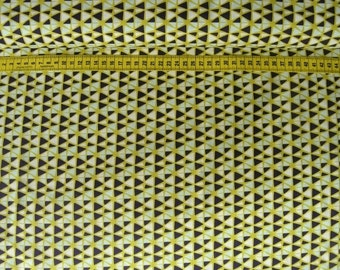 Camelot • Fruit Stand • Geo in Citron • Cotton Fabric 0.54yd (0.5m)