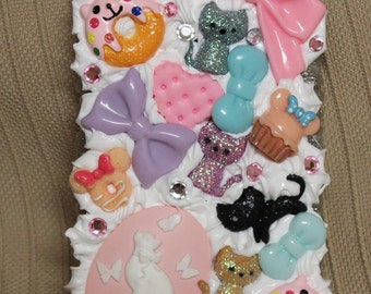 Made to order decoden electronics case! Cat themed!