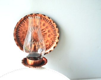 Retro vintage 70s , hammered copper, hand crafted cande holder with a  hurricane glass chimny. Made in USA.